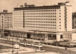 Allemagne  CPSM Magdeburg Hotel International Animée Tramways - Magdeburg