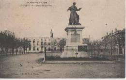 LUNEVILLE ( Place Des Carmes ) - Luneville