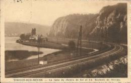 WEPION-SUR-MEUSE : Ligne Du Chemin De Fer Et Rochers De Néviau - CPA PEU COURANTE - Cachet De La Poste 1939 - Yvoir