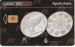 TARJETA DE MEXICO CON UNA MONEDA DE UN AGUILA ARPIA - EAGLE  (1-10) (MONEDA-COIN) - Sellos & Monedas