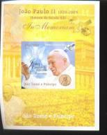 SAO TOME   2005 - 6 MINT NEVER HINGED SOUVENIR SHEET OF POPE JOHN PAUL II - Christendom