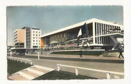 Cp, 17, Royan, Palais Des Congrès Et Hôtel De Foncillon - Royan