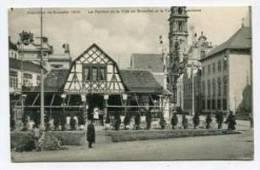 BELGIUM - AK 154248 Bruxelles - Exposition Bruxelles 1910 -Le Pavilion De La Ville De Bruxelles Et La Taverne Alsacienne - Universal Exhibitions