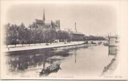 AMIENS - Les Bords De La Somme Et La Cathédrale - Précurseur - Collections ND Phot. - Amiens