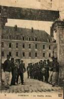 CPA  (36)        ISSOUDUN  -   La Caserne Jardon (Anciennement Des Ursulines) - Issoudun