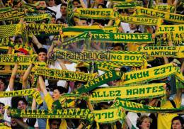 "Sport - Football. - PRESSE OCEAN - Le Supporter No 1  Du F.C. NANTES ATLANTIQUE. -  ""Allez Nantes Canaris"". (voir Scan). - Football"