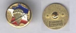 Insigne Du Centre National D'Entrainement Commando ( Boutonnière ) - Landmacht