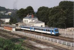 CF 64  Train, Locomotive, Autorail X 4376 Quitte La Gare De Fumay - Fumay