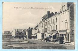 ATTIGNY - Place Charlemagne  Côté Droit - Attigny