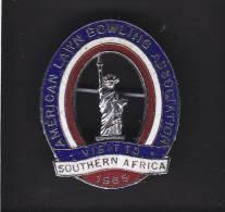 AMERICAN LAWN BOWLING ASSOCIATION VISITING SOUTH AFRIC 1965, Lapel Badge, - Bowls - Pétanque