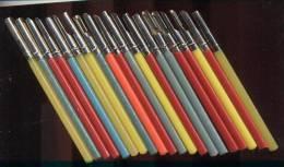 Lot De 100 Porte Plumes Plastique Année 60/70   (L 12.5 Cm)  Neuf - Plumes