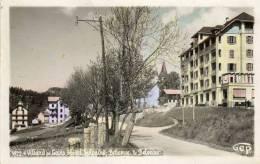CPSM -(38) - VILLARD-de-LANS -Vue Sur Un Quartier Du Village - Hôtel Splendid , Bellevue Et Belvédèr - Villard-de-Lans