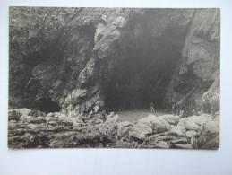 Cpa La Pointe Du Raz La Grande Grotte De L´est Et Baie Des Trepassés Région D´Audierne - MI04 - Cléden-Cap-Sizun
