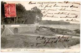 83 - Var /  BOULOURIS -- Le Parc Au Bord De La Mer. - Boulouris