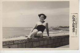 1951   MAR DEL PLATA    PLAYA SHORE  PERSONAS EN LA PLAYA   NIÑOS MUJERES  HOMBRES  OHL - Postkaarten