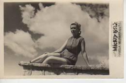 MAR DEL PLATA  1951 PLAYA SHORE  PERSONAS EN LA PLAYA   NIÑOS MUJERES  HOMBRES  OHL - Postkaarten