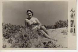 MAR DEL PLATA  1954 PLAYA SHORE  PERSONAS EN LA PLAYA   NIÑOS MUJERES  HOMBRES  OHL - Andere