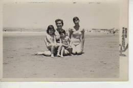 MAR DEL PLATA   AÑO 1958   PLAYA SHORE  PERSONAS EN LA PLAYA   NIÑOS MUJERES  HOMBRES  OHL - Postkaarten