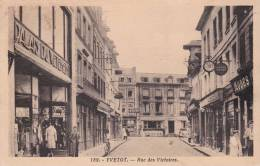 CPA 76  YVETOT ,Rue Des Victoires. (animée) 1936. - Yvetot