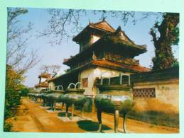 """HUE - Neuf """" Vases Tripodes """" Et Temple Du Prince - Vietnam"""