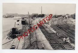 GARE-VISE-TRAIN-Chemin De Fer-Construction Des VOIES-ANIMATION-CARTE PHOTO Allemande-Guerre14-18-1WK-BELGIQUE-BELGIE N- - Visé