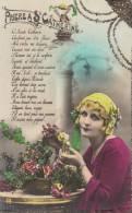 BEAUTIFUL WOMAN PRAYING TO ST. CATHERINE GLITTERY POSTCARD UNUSED - Donne