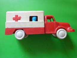 Camion -cylindre A Determiner -de La Croix Rouge BS Coq-manque Une Porte A L´arriere - Jouets Anciens