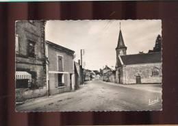 Soulanger  -  Le Centre Du Bourg Et L'Eglise - Autres Communes
