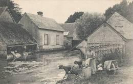 L L 736 /C P A - COURVILLE  ( 28)  LES BORDS DE L'EURE  LE MOULIN  - LAVOIRS  - LAVEUSES - Frankreich