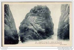 ERQUY - Grève De L'Ourtoué Et Les Deux Entrées De La Grotte De Galimoneux - Erquy