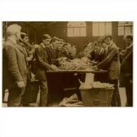 Sorting The Mail 1916 Postcard  Size:15x10 Cm. Aprox. - Irlanda