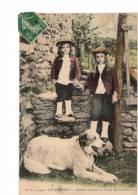 64----LES PYRENEES----enfants Ossalois Et Chien Des Pyrénées---voir 2 Scans - France
