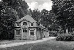BELGIQUE - HAINAUT - BRUGELETTE - ATTRE - Château, Les Communs, Les Ecuries - Kasteel, De Bijwoningen En De Stallen. - Brugelette