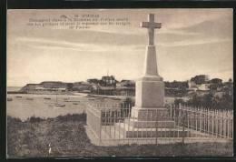CPA Fouras, Monument Eleve A La Memoire Des Pretres Morts Sur Les Pontons Et Dont 25 Reposent Sur Les Rivages De Fouras - Francia