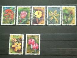 VARIA - VOIR PHOTO ...... Lot 01 (2) - Start à 0.75 Euro..........?? ( Zie/voir Foto Voor/pour Détails ) !! - Tanzanie (1964-...)