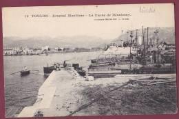 BATEAU GUERRE - 040513 - TOULON - Arsenal Militaire - La DARSE DE MISSIESSY - T27 T94 LINOIS - Guerra