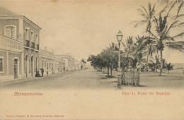 Mossamedes Rua Da Praio Do Bomfim Edit Osorio Delgado Bandeira Loanda Timbre - Angola