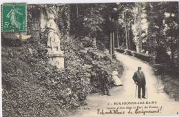 1/52 - BOURBONNE-LES-BAINS Jeanne D'Arc Dans Le Parc Du Casino Petite Animation - Bourbonne Les Bains