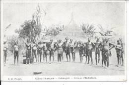 CONGO FRANCAIS - Oubangui - Groupe D'Indigènes - Congo Français - Autres