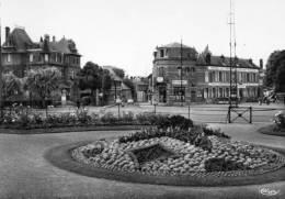60 Noyon, Jardin Roosevelt, Hotel Des Sports, N° 69 - Noyon