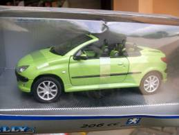 WELLY -  PEUGEOT 206 CC SPIDER  AVEC  SA  BOITE  Scala 1/24 - Welly