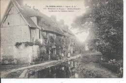 MOULINEAUX - La Source Du Château Robert - France