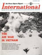Air Force / Space Digest - INTERNATIONAL - AUGUST 1966  - PARIS Air Show - VIETNAM - Avions - Fusées - GEMINI   (3294) - Magazines & Papers