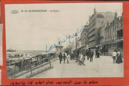 CPA BELGIQUE,  BLANKENBERGHE,  La Digue,  Animée,  AVRIL 2013  931 - Blankenberge