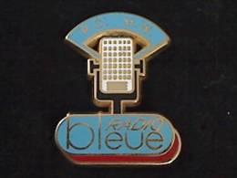 1 PIN´S MEDIA RADIO BLEU  PO MW - Medien