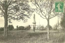Pontailler-sur-Saône. La Vierge Du Mont Ardoux. - France