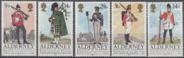 Alderney - Historische Uniformen - 24 September 1985 - Michel 23 - 27 - Xx/postfris/MNH - Alderney
