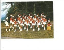 C 1131  VAGNEY   GROUPE DES MAJORETTES - France