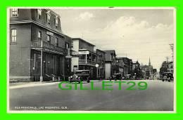 LAC MÉGANTIC, QUÉBEC - RUE PRINCIPALE - ANIMATED - HOTEL TOURISTE - TRAVEL IN 1939 - NOVELTY MANU & ART CO LTD - - Autres