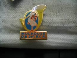 Pin´s Mulhouse D.B. 31e Bataillon De Chasseurs à Pied. Cor Musique, Cigogne D'Alsace - Militaria